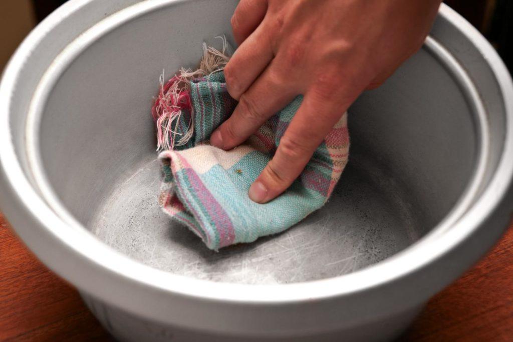 Как убрать накипь с кастрюли в домашнем условии 131