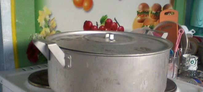 Как быстро очистить алюминиевую кастрюлю от нагара и темного налета