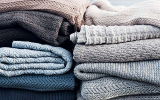 Как самостоятельно растянуть свитер, который сел после стирки