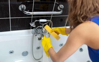 Чем отмыть известковый налет в ванной с разных поверхностей
