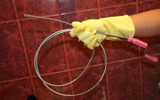 Как самостоятельно устранить засор в канализационной трубе