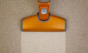 Как быстро и безопасно почистить ковер содой и уксусом