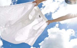 Как быстро отбелить белую рубашку