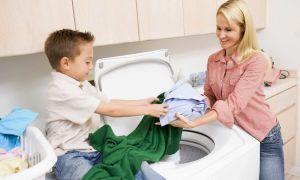 Как удалить с одежды пятно от клея в домашних условиях