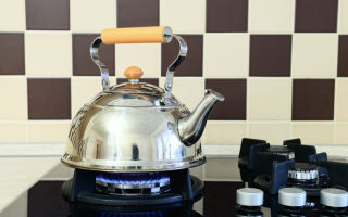 Как быстро очистить чайник от накипи уксусом