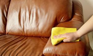 Как быстро и легко отмыть ручку с кожаного дивана