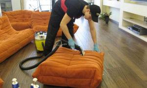Эффективные средства для чистки мягкой мебели