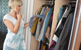 Как убрать запах плесени и затхлости из шкафа с одеждой