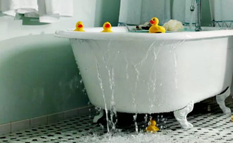 Переполненная ванна