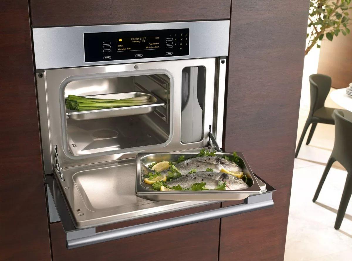 Чистая духовка на кухне