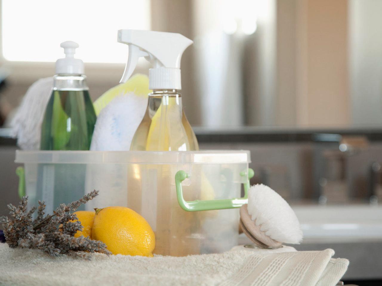 Моющие средства на кухне