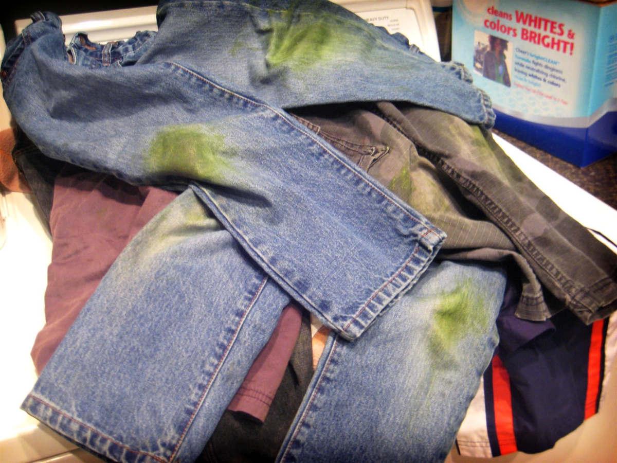 Грязные джинсы