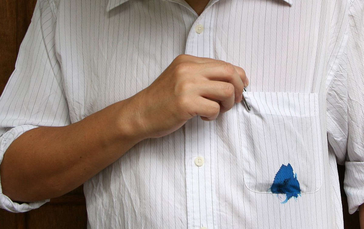 Чернильное пятно на рубашке