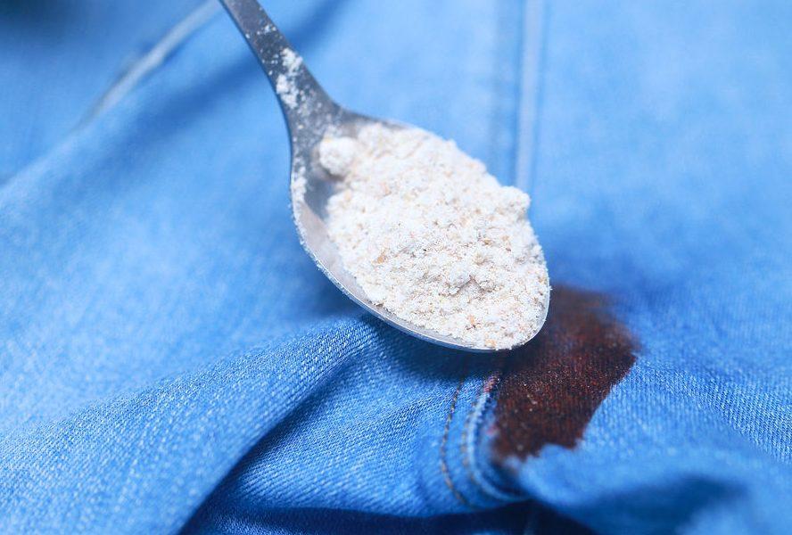 Выведение пятна на джинсах