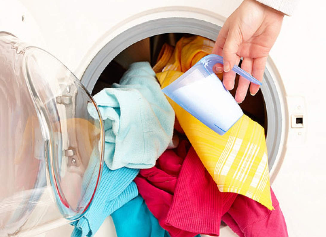 Цветная одежда в стиральной машине