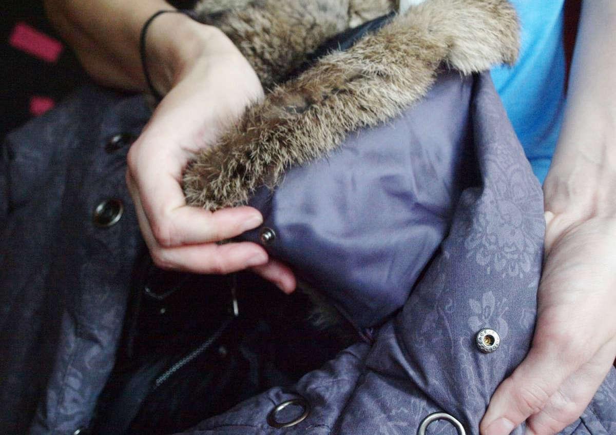 Меховой капюшон куртки